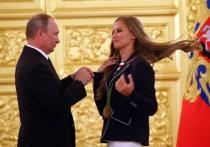 Щедрость Путина: в других странах олимпийцам «БМВ» заменили на духи