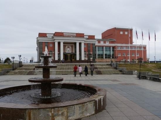 Районный комментатор: кондопожские дворцы - Ледовый и Искусств - официально закрываются