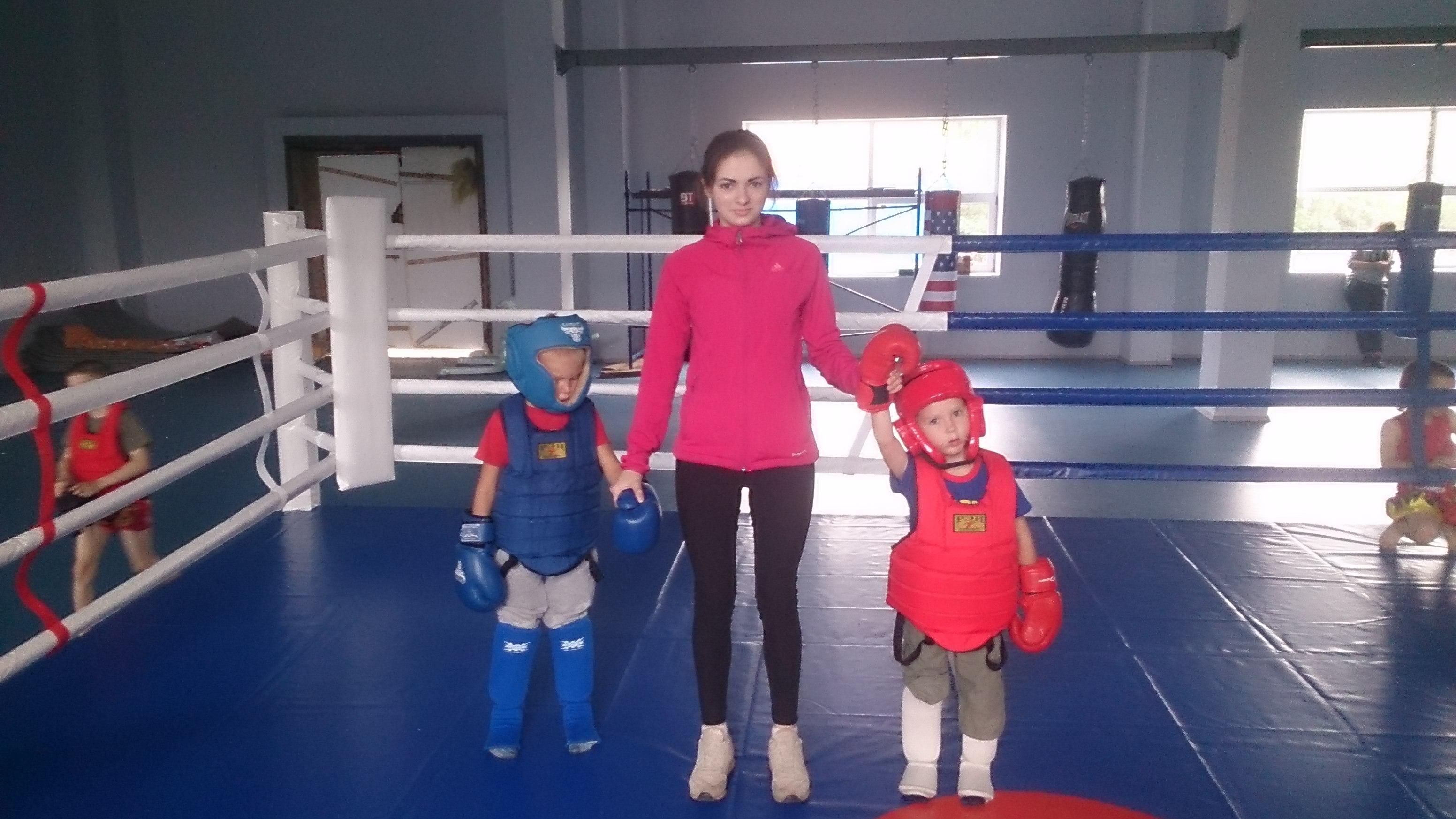 Боксеры с детьми фото