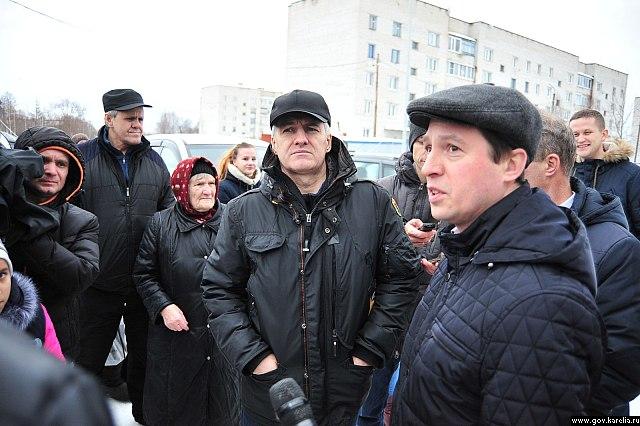 Парфенчиков вПудоже отказался вручать новоселам ключи отквартир